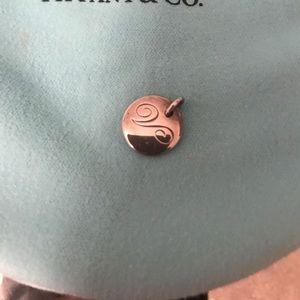Tiffany & Co. V pendant